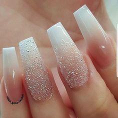 Another elegant look by @alextruong_nails ... 👌    #classy💅 #nailpolish #prettynails #nailartdesigns #nailart #cutenails #nailartist #nailtechs #love4nails #passionatenailtechs #PASSION4NAILART #P4NA