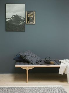 Fine veggfarger / new wall paint colours Wall Colors, House Colors, Colours, Nordic Living, Home Living, St Pauls Blue, Bedroom Wall, Bedroom Decor, Jotun Lady