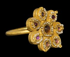 Byzantine Gold Ring with Garnets and Pearls, 14th Century