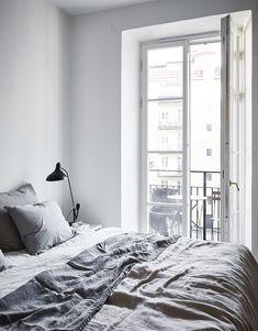 Home tour: Kontor i stuen og varme farver på væggene | Kreavilla