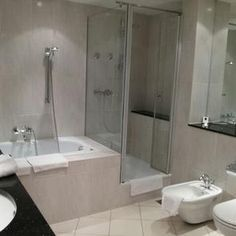 Bathroom of Corner Suite