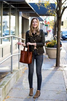 Fall outfit idea in midwest | how to style the J. Crew Field Jacket | casual fall outfit