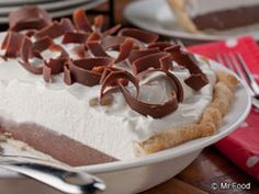 This diner-worthy recipe for Homemade Chocolate Cream Pie is so easy you won't believe it. Who wouldn't want to take the credit for making a sinfully rich chocolate cream pie! So get going, and try it!
