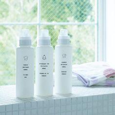 洗剤はおしゃれなボトルに詰め替えて、生活感をオフ! Container Design, Laundry Detergent, Hand Cream, Packaging Design, Shampoo, Hair Care, Bottle, Photography, Personal Care