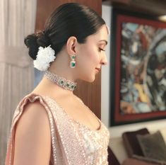 Want to see what every single Bollywood celebrity wore to the big fat Ambani Wedding? Here's the best quality pictures of celebrity lehengas and more. Bollywood Celebrities, Bollywood Actress, Bollywood Style, Wedding Guest Looks, Indian Look, Indian Ethnic, Slick Hairstyles, Kiara Advani, Saree Look