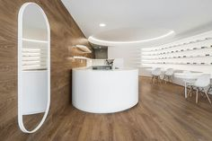 Image 16 of 34 from gallery of Optical Pitães / Tsou Arquitectos. Photograph by Ivo Tavares Studio Office Interior Design, Office Interiors, Eyewear Shop, Pharmacy Design, Glasses Shop, Optical Shop, Cool Store, Shops, Optician