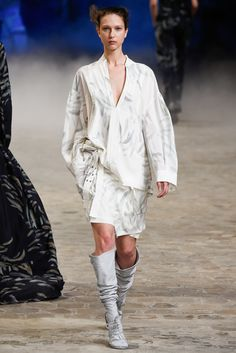 A.F. Vandevorst Spring 2015 Ready-to-Wear - Collection - Gallery - Style.com on Vein - getvein.com
