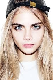 Cara's eyebrows are out of control. I think only she could pull them off. If I saw someone with eyebrows like hers in my everyday life, I'd probably have a strong urge to scream that they're unruly and need help ASAP.