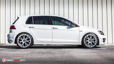 2016 VW Golf R on VMR V810s