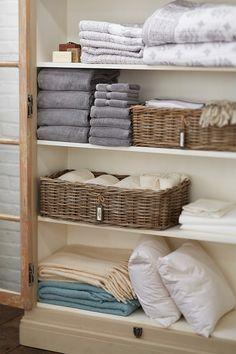 How to organize a linen closet (apartment closet organization couple) Linen Closet Organization, Closet Storage, Bathroom Storage, Bathroom Closet, Storage Organization, Small Bathroom, Storage Ideas, Organizar Closet, Linen Cupboard