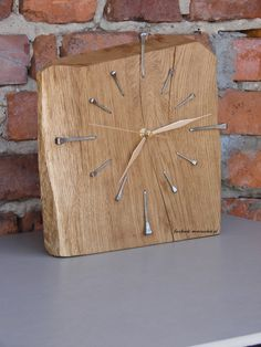 The post Oak wood Horseshoe Nails. appeared first on Wood Ideas. Wall Clock Wooden, Rustic Wall Clocks, Wood Clocks, Wooden Art, Into The Woods, Diy Clock, Unique Clocks, Wall Clock Design, Diy Wall