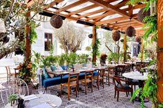 """117 kedvelés, 2 hozzászólás – Soho House Istanbul (@sohohouseistanbul) Instagram-hozzászólása: """"Cecconi's'de bahçe sezonu açıldı! / Cecconi's' garden is opened! Enjoy Cecconi's' flavors at our…"""""""