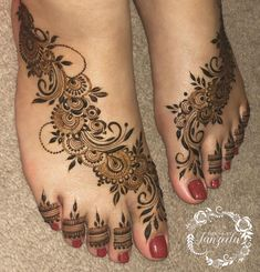 "Tanzeela on Instagram: ""I need to start uploading more feet designs!"" Leg Mehendi Design, Mehndi Designs Book, Leg Mehndi, Mehndi Designs For Girls, Indian Mehndi Designs, Mehndi Designs 2018, Bridal Henna Designs, Unique Mehndi Designs, Mehndi Design Pictures"