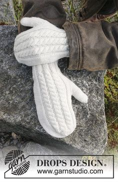 Knitting Patterns Galore - Morgenfrost Knitted Mittens Pattern, Sweater Knitting Patterns, Knitting Designs, Knit Mittens, Knitted Gloves, Knitting Socks, Lace Knitting, Knitting Projects, Knit Or Crochet