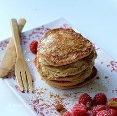 sugarfree yoghurt pancakes with oatmeal Healthy Sweets, Healthy Baking, Healthy Snacks, Healthy Recipes, I Love Food, Good Food, Yummy Food, Naan, Quiche