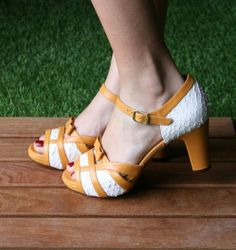 CARAMBA WHITE :: SANDALS :: CHIE MIHARA SHOP ONLINE