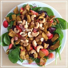 Some creativity with my lunch yesterday (finally!): #spinach #strawberries #vegancurry and #nuts.  I know the portion is not photoshoot friendly but that's a real plate of someone who works out.  No animals were hurt in the making of this delicious meal!  #vegan #salad #foodporn #veganfoodshare #nutrition #diet #weightloss #meals