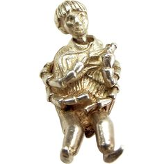 RARE Vintage 1960's Silver 'BEATLE' Charm Moves..