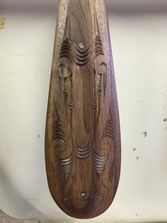 artwork of Philip Conte. Maori Words, Maori Art, Bone Carving, Diy And Crafts, The Incredibles, Woodcarving, Artwork, Necklaces, Inspiration