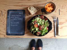 BENTO DU JOUR 11/07/2016 : Salade tout bio : Laitue rouge (de notre jardin !) + concombre + tomate cerise - Pain au levain - Melon bio