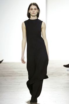 Matériel by Tiko Paksashvili Tbilisi Fall 2016 Fashion Show Fall Fashion 2016, Fashion Show, Seoul, Ideal Beauty, Vogue, Fancy Pants, Ao Dai, Fall 2016, Catwalk