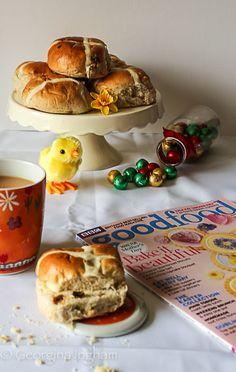 Hot Cross Buns - Saffron Cake, Yummy Treats, Sweet Treats, Hot Cross Buns, Baking With Kids, Easter Treats, Easter Recipes, Us Foods, Tray Bakes