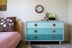 girl-meets-vintage-mod-dresser