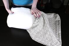 How to Make Box Cushions with a Zipper | OFS Maker's Mill Custom Cushion Covers, Diy Cushion, Cute Cushions, Patio Cushions, Cool Woodworking Projects, Diy Sewing Projects, Piping Tutorial, Diy Couch, Upholstery Foam