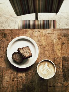 the gluten free days are upon us by smoothdude, via health food food for health Coffee Is Life, I Love Coffee, Coffee Break, My Coffee, Morning Coffee, Skinny Coffee, Coffee Cafe, Coffee Drinks, Coffee Shop