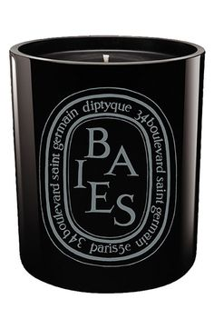 Free shipping and returns on diptyque 'Baies' Scented Black Candle at Nordstrom.com. The classic Baies scent presented in a mouth-blown glass colored during production for a shiny finish that lets you see the candle flame. Baies scent recalls a bouquet of roses and black currant leaves, a companion to the L'Ombre dans l'Eau eau de toilette.