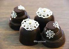 Doces finos rendados: bombons recheados de brigadeiro gourmet... e tudo produzido com o melhor chocolate belga!