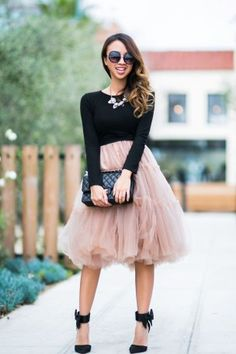 Amazing winter wedding guest outfits ideas 21