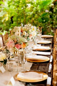 #tablescapes  Photography: Kimberly Kay Photography - kimberlykayphoto.com  Read More: http://www.stylemepretty.com/southeast-weddings/2014/01/14/traditional-magnolia-plantation-wedding/