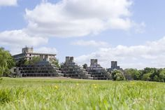 The Ziggurats at UEA, listed buildings designed by the visionary architect Sir Denys Lasdun Conservation Architecture, University Of East Anglia, Cromer, Building Design, Holiday Travel, Norfolk, San Francisco Skyline, Modern Architecture, Architects