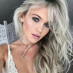 Banish the Bronzer Aim to Lift, Rather than Change Your Skin Prep Your Skin Highlighter Helps Blush is Brilliant Eyes & Lips Pick the Right Hair Color Ash Blonde, Platinum Blonde, Blonde Hair, Shampoo Bomba, Pale Skin, Photo Instagram, Hair Goals, New Hair, Makeup Looks