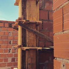 """ObrA"" #arquitetura #ahessarquitetura #naobra #executandosonhos #dialindo #amamosarquitetura #construindolarescomamor"