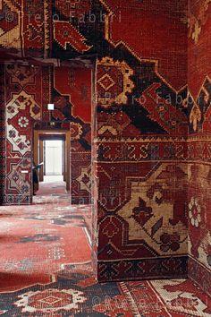 Rudolf Stingel im Palazzo - [board_name] - Teppich Palazzo, Interior Architecture, Interior And Exterior, Interior Design, Rudolf Stingel, Inspiration Design, Wall Finishes, Magic Carpet, Persian Carpet