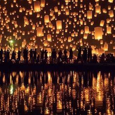 Lantern launch at the Yi Peng Festival in Chiang Mai, Thailand - Photography by © Floating Lanterns, Sky Lanterns, Disney Wallpaper, Wallpaper Backgrounds, Creative Photography, Nature Photography, Lantern Festival, Chiang Mai, Night Skies
