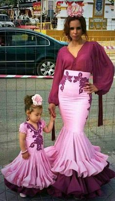 Dance Dresses, Girls Dresses, Mommy Daughter Dresses, Flamenco Costume, Cowgirl Style Outfits, Spanish Dress, Dress Neck Designs, Mexican Dresses, African Wear