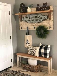 47 cozy farmhouse living room decor ideas that make you feel in village 15 47 gemütliche Bauernhaus Wohnzimmer Dekor Ideen,. Rustic House, Decor, Diy Home Decor, Entryway Decor, Home Furniture, Farmhouse Style Decorating, Home Decor, Living Room Designs, Farmhouse Decor Living Room