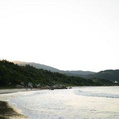 "103 curtidas, 6 comentários - Francine Dezidério (@frandeziderio) no Instagram: ""Sunset. . . . #photography #photographer #natural #beach #sunset #sea #ocean #naturalview…"""