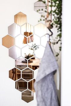 This Hexagon mirror tiles w hexagonal f elegant quintessence silver mirrored bevelled wall photos and collection about 50 hexagon mirror tiles excellent. Hexagonal mirror tiles hexagon ikea copper wall Floor images that are related to it Interior Styling, Interior Decorating, Interior Design, Modern Interior, Diy Interior, Home Design Diy, Blogger Home, Diy Casa, Best Ikea