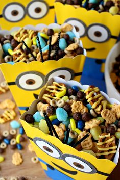 Young At Heart Mommy: Minion Munchies Snack Mix Minion Party Food, Despicable Me Party, 5th Birthday Party Ideas, Minion Birthday, Minions, Kids Meals, Yummy Treats, Party Time, Snacks