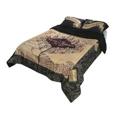 Harry Potter The Marauder's Map Full/Queen Comforter Hot Topic ❤ liked on Polyvore featuring home, bed & bath, bedding, comforters, polyester comforter and full/queen comforter