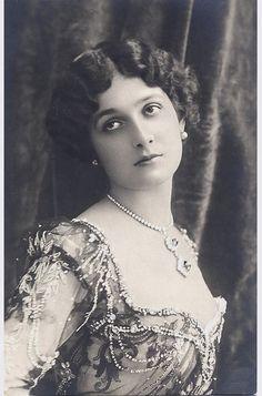 Italian soprano Lina Cavaliere was a real diva