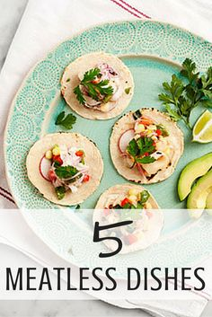 ? While heavy dishes like wings, burgers, and loaded potato skins tend to be the MVP of the snack table, there's still room for some healthier alternatives. Adding a few meatless dishes is a smart strategy to lighten up the game-day spread while keeping all of the flavor football fans crave. #meatlessrecipes #superbowlfood #everydayhealth | everydayhealth.com