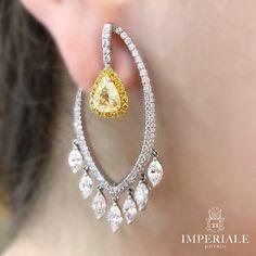 Modern Elegance. Aretes con diamantes canarios y blancos, exclusivos de Imperiale. #GeneracionesDeExcelencia #diamondearring