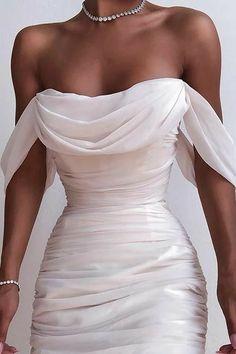 Ball Dresses, Ball Gowns, Evening Dresses, Formal Dresses, Dresses Dresses, Formal Wear, White Prom Dresses, Satin Dresses, Short Elegant Dresses