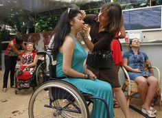 A fashion show for women who have a disability in Ukraine (Photo: Gleb Garanich / Reuters)