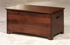 Amish Celebrity Dovetail Toy Box